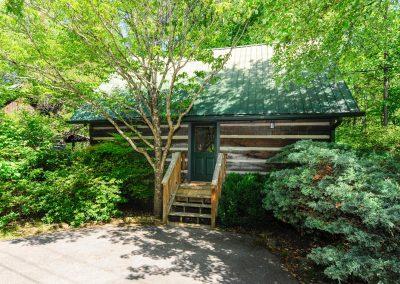 Dancing Bear Cabin Rental in Townsend Tennessee