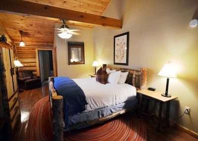 Dancing Bear Lodge Accommodations Near Cades Cove TN