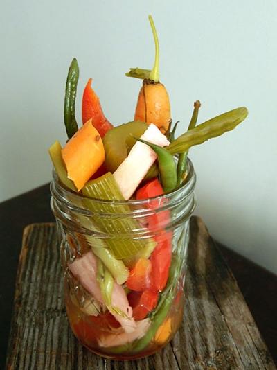 Quick Pickled Garden Vegetables