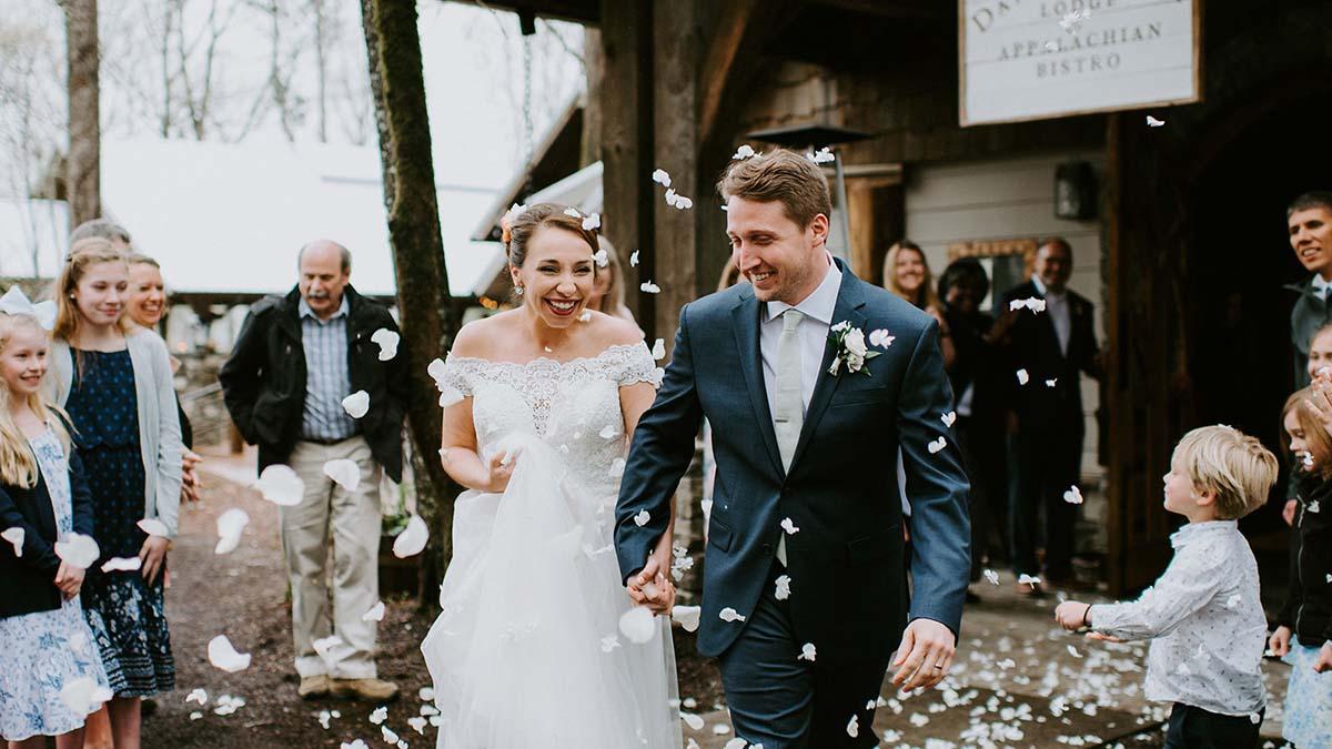 Smoky Mountain Wedding Venue in Townsend TN